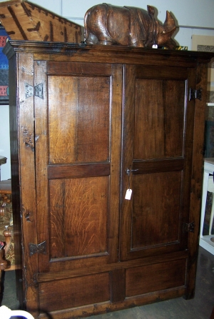 Image of Oak 18th Century 2 door cupboard
