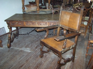 Image of French Oak Notaire's (solicitors) chair