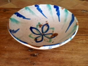 Image of Spanish antique Grenada pottery bowl
